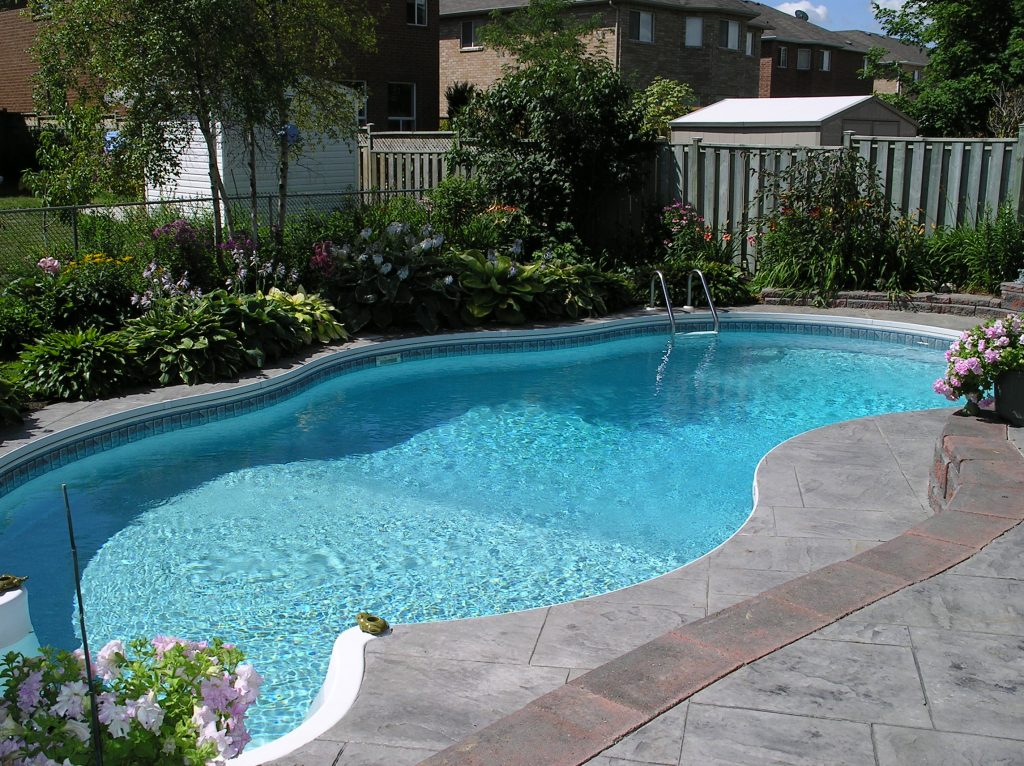 can norovirus spread in swimming pools